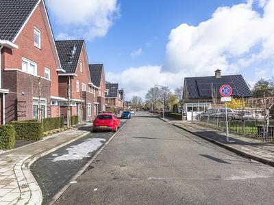 Van Houtenlaan 26 in Barneveld 3771 CT