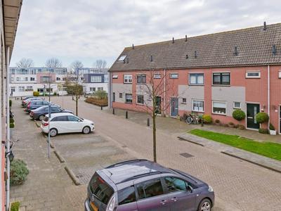 Betsy Perkstraat 14 in Velserbroek 1991 TL