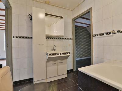 37 de badkamer
