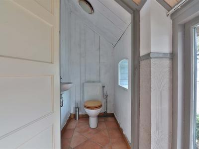 38 toilet