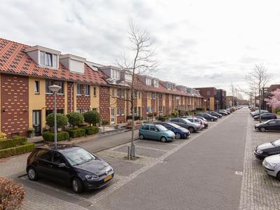 Siciliano 30 in Nieuw-Vennep 2152 TR