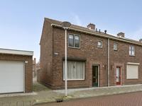 Zuidwal 1 in Steenbergen 4651 DA