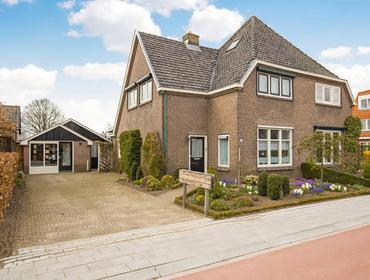 Van Zuijlen Van Nieveltlaan 21 in Barneveld 3771 AA