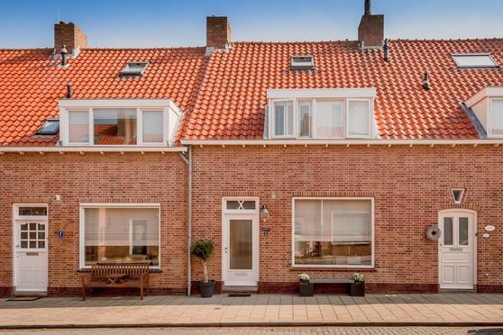 Tadamastraat 5 in Katwijk 2225 HR