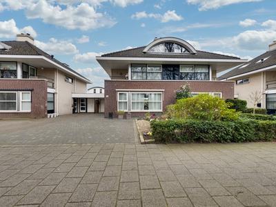 Meerdijk 53 in Waalwijk 5144 NL