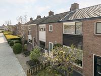 Vlielanderstraat 7 in Numansdorp 3281 XS