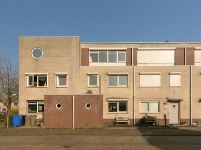 Aveling 4 in Sliedrecht 3362 WK