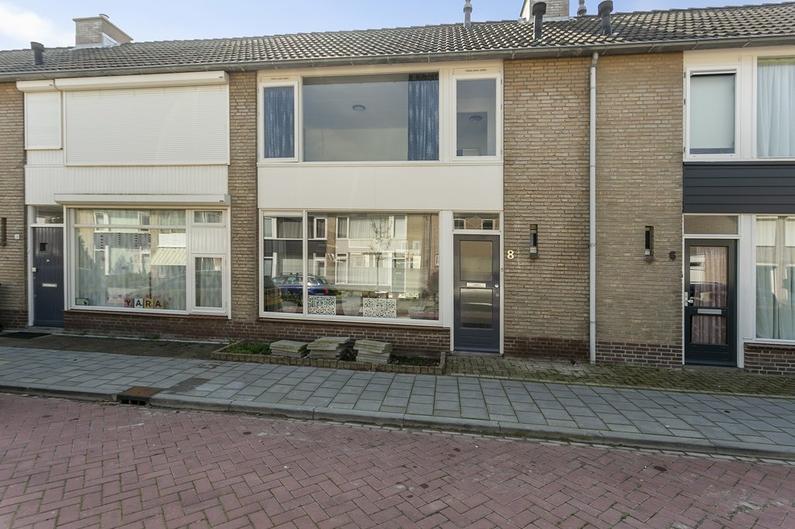 Dahliastraat 8 in Steenbergen 4651 KP