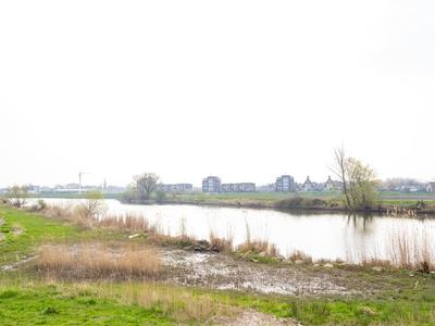 Frederik Hendrik Wal 81 in Geertruidenberg 4931 NK