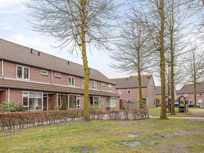 Zilvermeeuw 133 in Etten-Leur 4872 RP