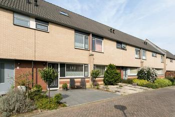 C.A. Weersma-Van Duinstraat 3 in Zutphen 7207 HH