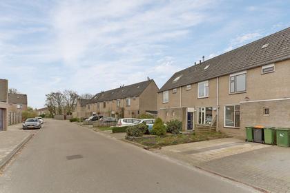 Oldebaasverlaat 15 in Hoogeveen 7908 DR