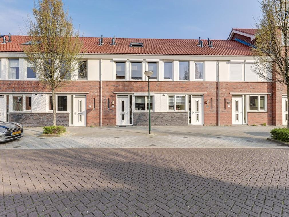 Troelstrastraat 15 in Hardinxveld-Giessendam 3371 VJ