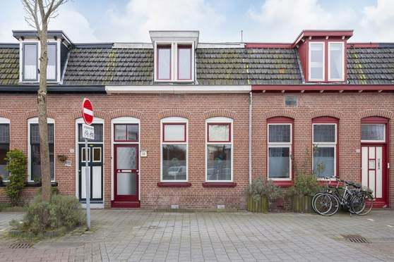 Burg. Van Suchtelenstraat 30 in Deventer 7413 XN