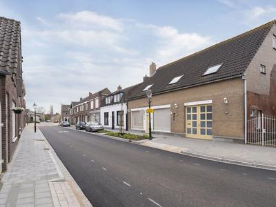 Hoofdstraat 27 in Zevenbergschen Hoek 4765 CA