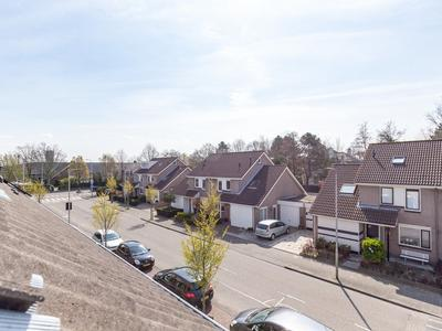 Vliegeniersweg 107 in Sassenheim 2171 PE