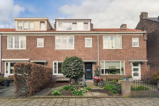 Van 'T Hoffstraat 185 in Haarlem 2014 RE
