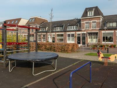 Cornelis De Vlamingstraat 11 in Alphen Aan Den Rijn 2406 GT