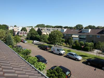 Lodesteijnstraat 7 in Wassenaar 2241 JN