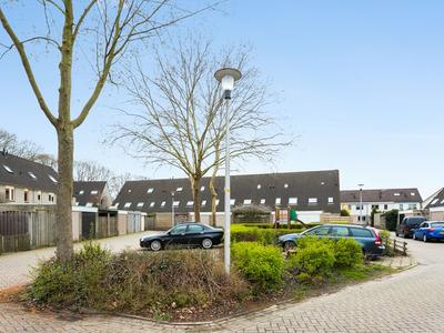 Weg Door Den Waterpot 57 in Deventer 7421 AP