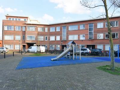 Drogersdijk 91 in 'S-Gravenhage 2584 SW