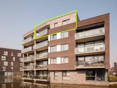Waterlelie 174 in Roelofarendsveen 2371 HN