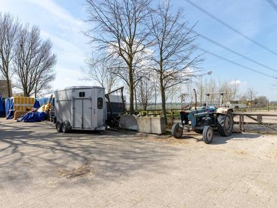 Aelbrechtsweg 10 in Oostvoorne 3233 LA