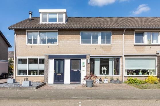 Willem-Alexanderstraat 10 in Sint-Oedenrode 5491 HV