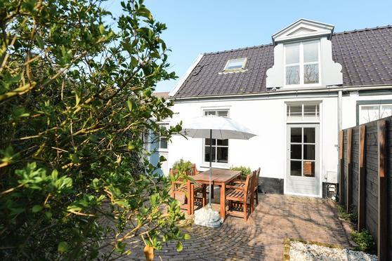 Pakveldstraat 32 in Zandvoort 2042 KD