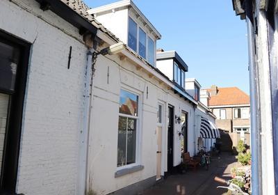 Uiterwijksteeg 8 in Kampen 8261 XA