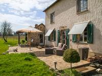 Lieu Dit : Latrade/Est in Saint-Cyr-Les-Champagnes