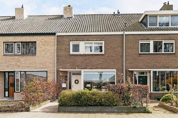 Korhoenstraat 37 in Maassluis 3145 CE