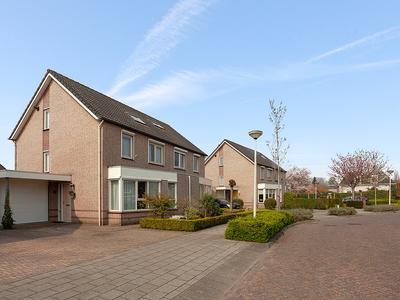 Entstraat 21 in Oudenbosch 4731 XH
