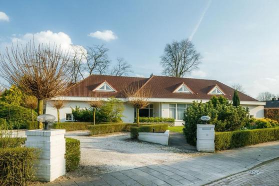 Meidoornstraat 18 in Sint-Oedenrode 5492 EC