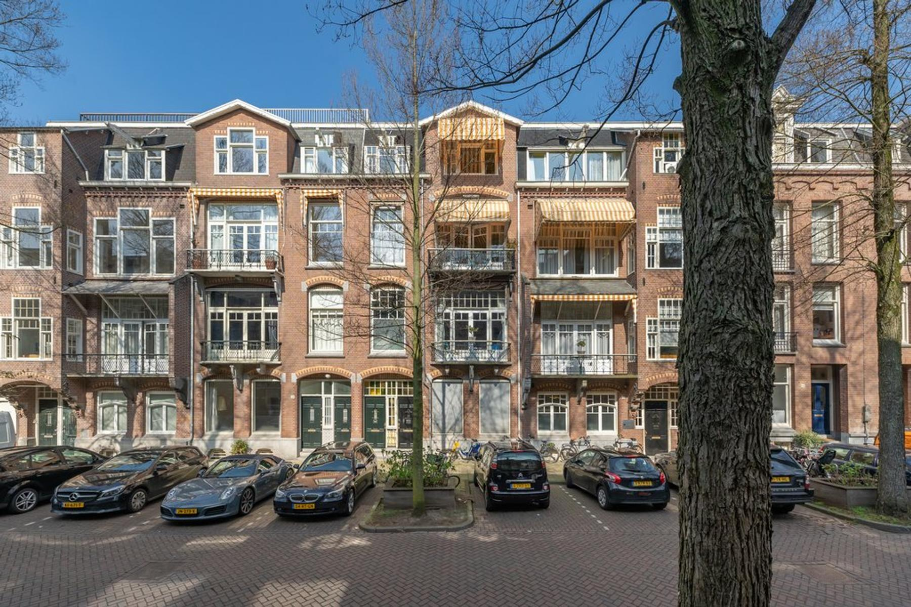 Johannes Verhulststraat 90 in Amsterdam 1071 NK