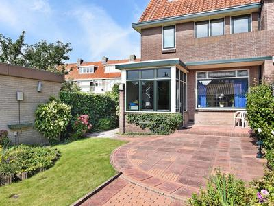 Adriaan Pauwstraat 12 in Wassenaar 2242 LT