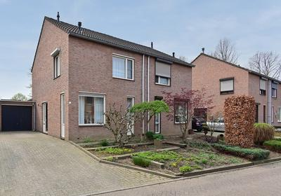 Torenstraat 24 in Born 6121 LR