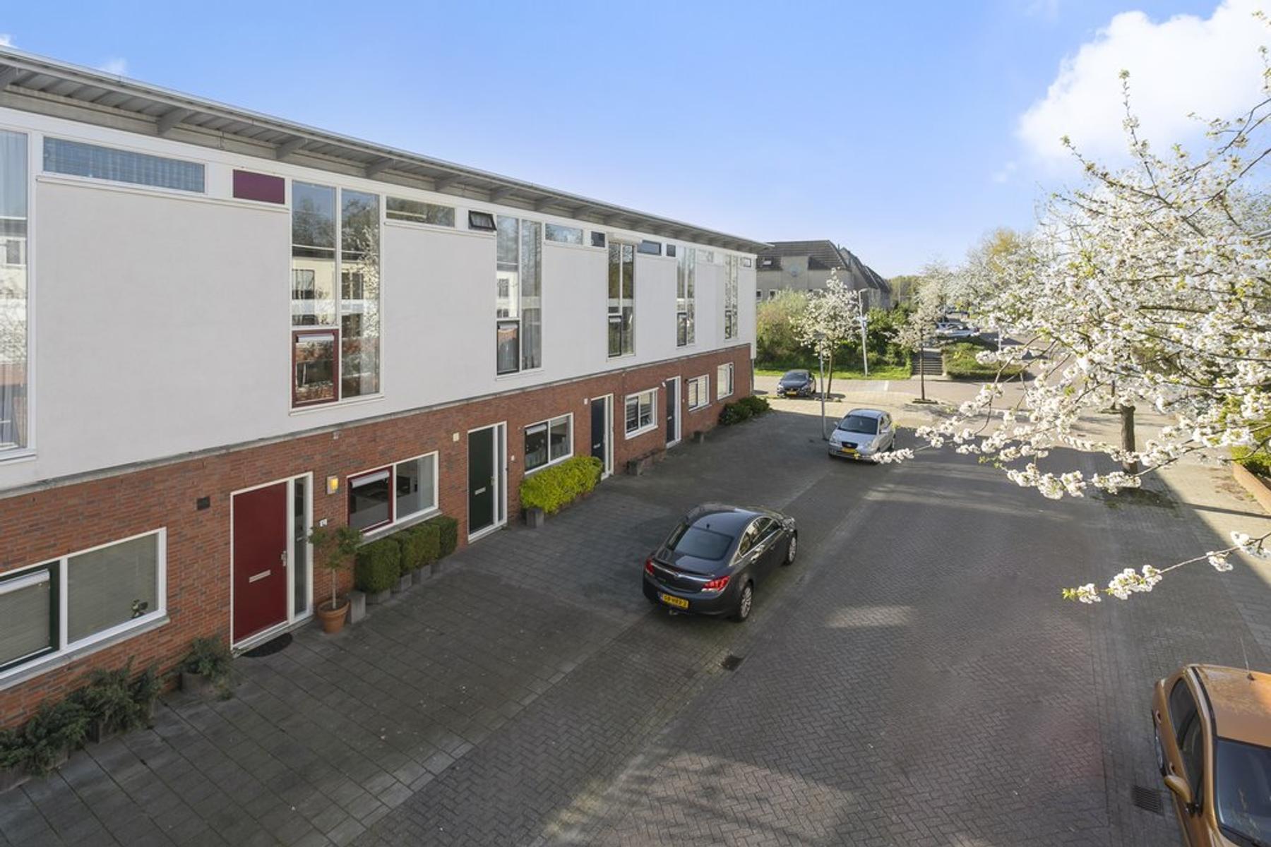 Annette Versluysstraat 10 in Deventer 7421 LB
