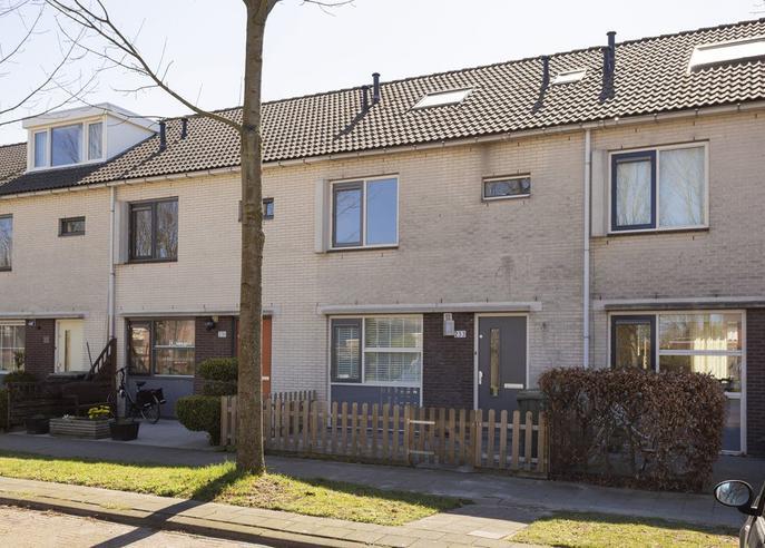 Rijnland 233 in Lelystad 8245 BH