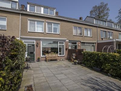 Berlagestraat 27 in Lekkerkerk 2941 GA