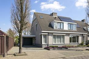 Arnold Van Lieropstraat 1 in Steenbergen 4651 ZX