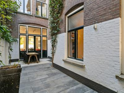 Van Der Does De Willeboissingel 55 in 'S-Hertogenbosch 5211 CE