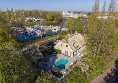 Korenbocht 1 in Oosterhout 4905 AS