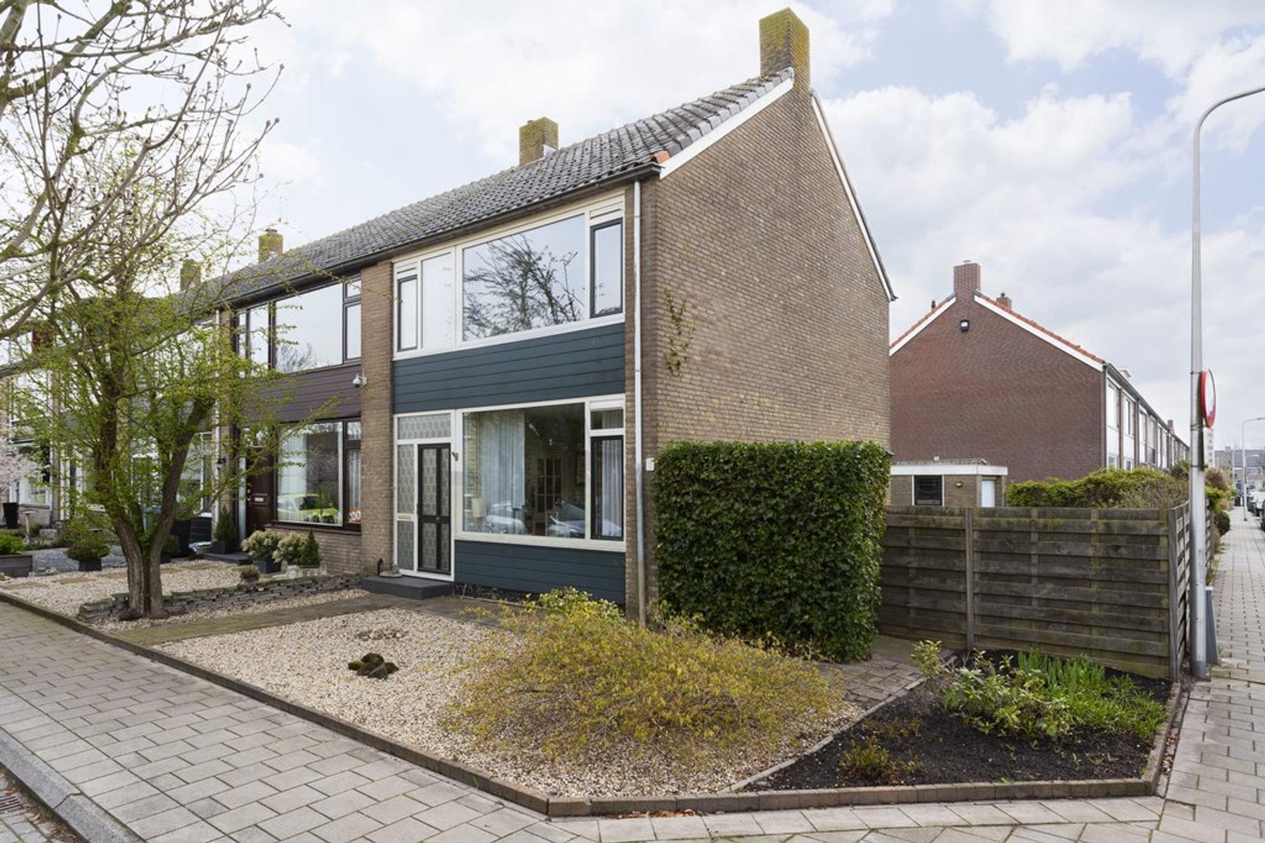 Korenbloemstraat 54 in Stolwijk 2821 TG