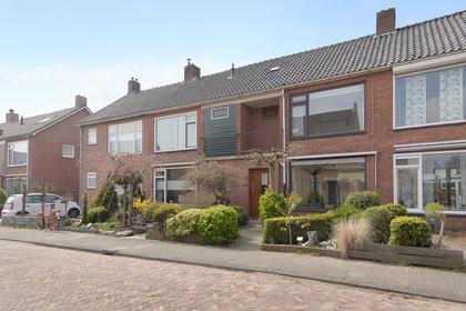 Chrysantenstraat 10 in Naaldwijk 2671 KR