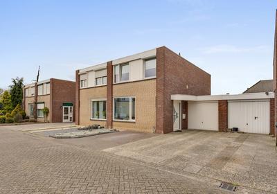 Vinkenstraat 34 in Heythuysen 6093 AR