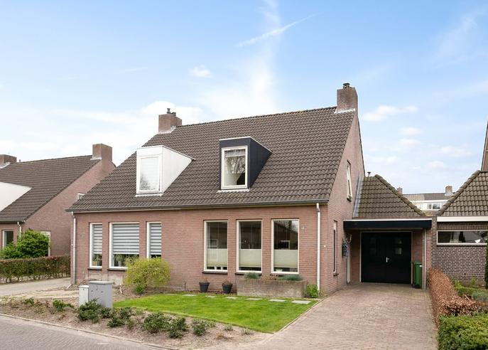 De Hasselt 16 in Riethoven 5561 CC
