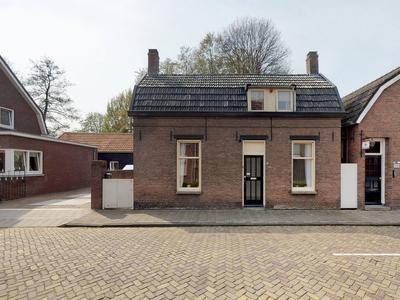Koningstraat 62 in Raamsdonksveer 4941 GX