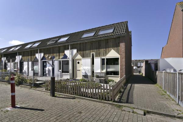 Kanariesprenk 357 in Vlissingen 4386 DN