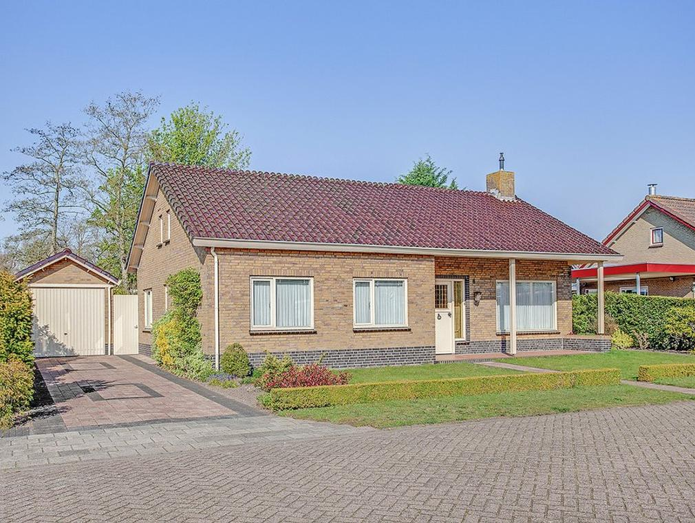 Tibeertlaan 8 in Oudenbosch 4731 AJ